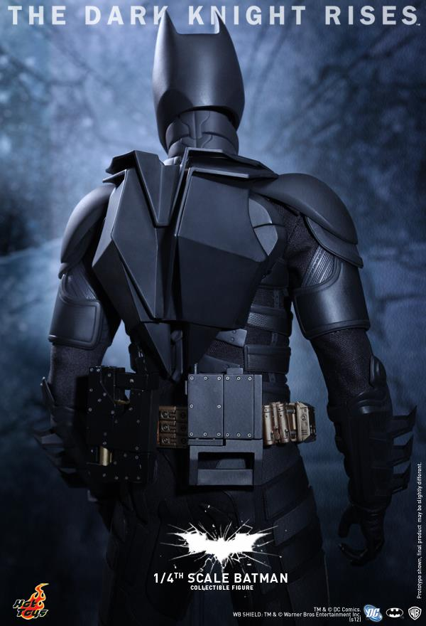 http://baleheadsblog.com/wp-content/uploads/2012/07/dark-knight-rises-hot-toys-1-4-2.jpg